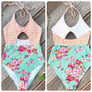 NWT CUPSHE Floral Stripe Cut Out 1-pc Swimsuit M